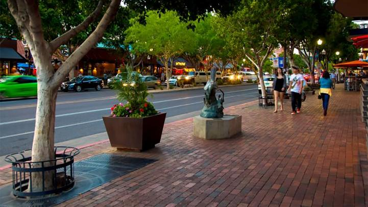 Downtown Tempe, Mill Avenue.